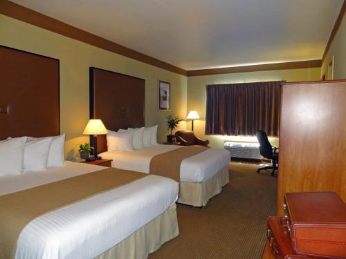 SureStay Plus Hotel Beeville by Best Western