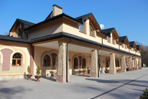 Отель Park Hotel Zhovkva 0 звёзд Украина