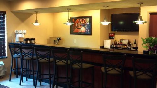 Cobblestone Hotel & Suites Knoxville