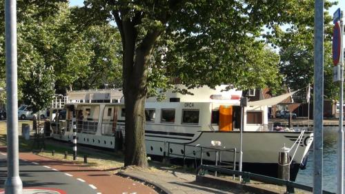 Picture of Hotelboot Orca Leiden