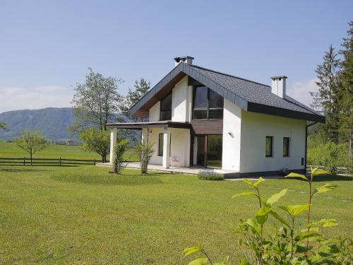 Villa Wildenstein front view
