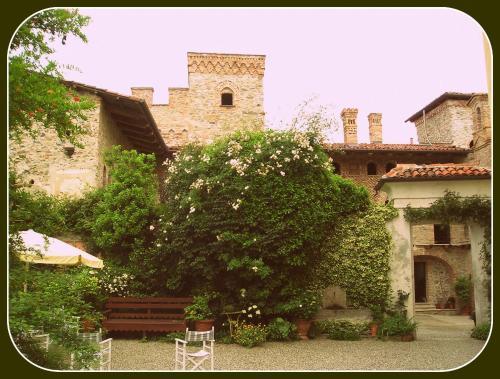 foto Castello Di Strambinello (Baldissero Canavese)