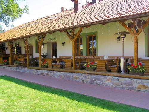 Hotel Na Statku Miro�ov