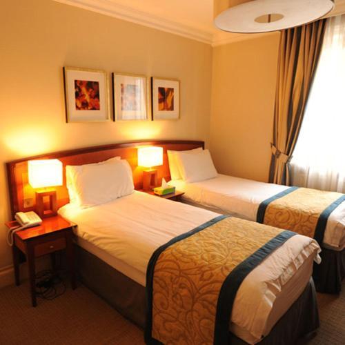The Sumner Hotel - image 9