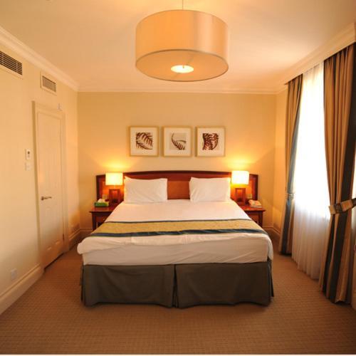 The Sumner Hotel - image 6
