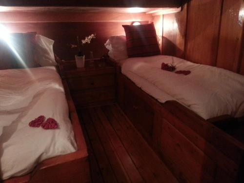 Triple Cabin with Single Beds