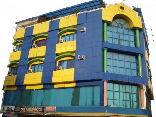 C & L Suites Inn front view
