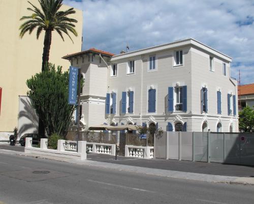 hotel le havre bleu h tel 29 boulevard marechal joffre 06310 beaulieu sur mer adresse horaire. Black Bedroom Furniture Sets. Home Design Ideas