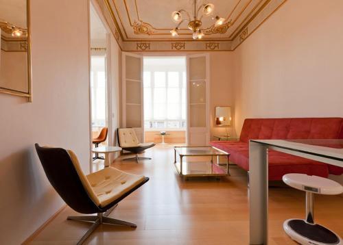 Modern-ist Apartment