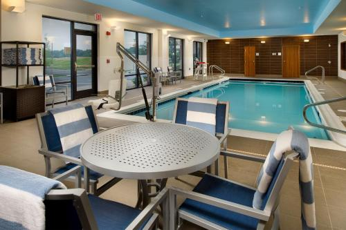 Hampton inn and suites gaithersburg md - Public swimming pools frederick md ...