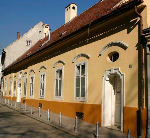 Apartments and Rooms Gornji Grad
