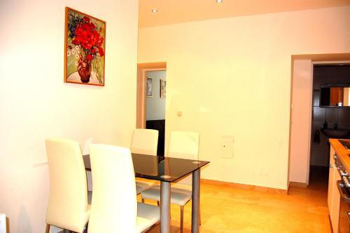 Vienna Family Apartments