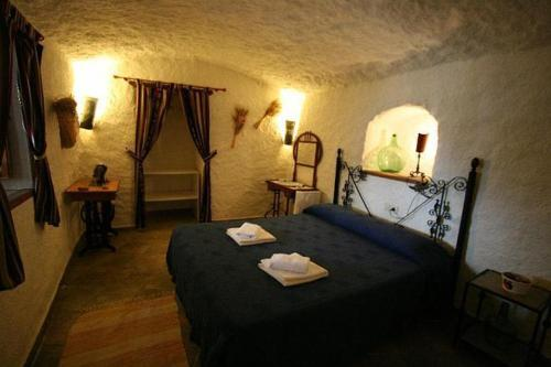 Three-Bedroom Cave (5 Adults)