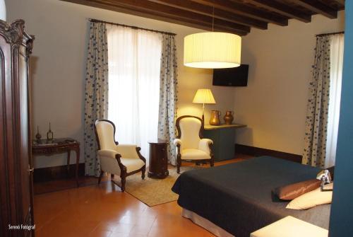 Habitación Familiar Deluxe (2 adultos + 1 niño) RVHotels Hotel Palau Lo Mirador 2