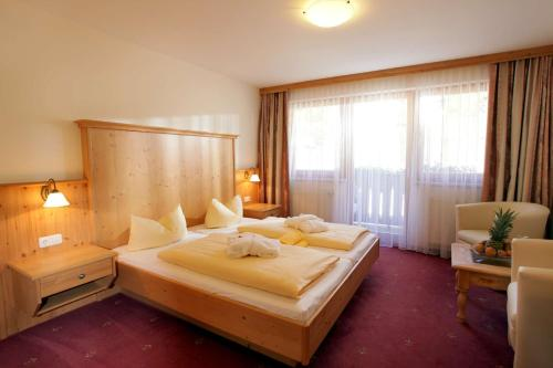 Double Room (1 Adult) - Halfboard included
