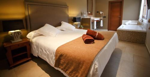 Queen Room Hotel Swiss Moraira 1