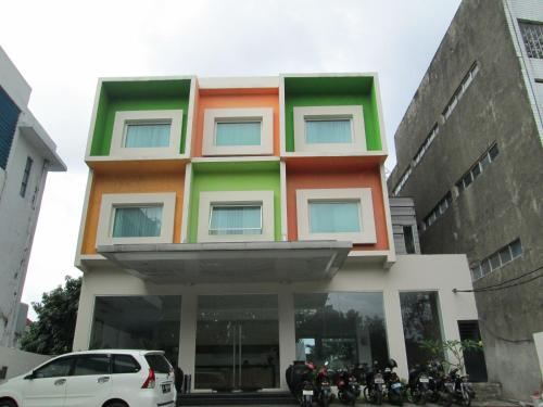 N2 Hotel front view