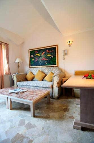 Best Price On Club Bali Suites @ Kota Bunga In Puncak