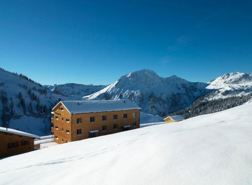 Appartementhaus Schesaplana - Apartment mit Blick auf die Berge