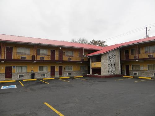 Deluxe Inn Knoxville
