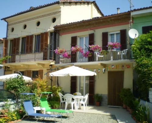 foto Casa Allineri (Castel Boglione)