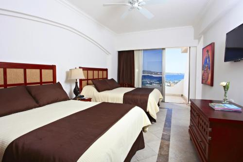 Deluxe Room with Bay View (2 Adults + 1 Children)