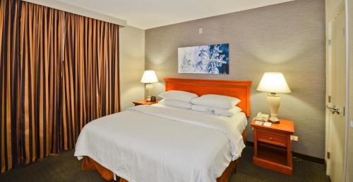 Embassy Suites Denver Stapleton -  star rating for travel with kids