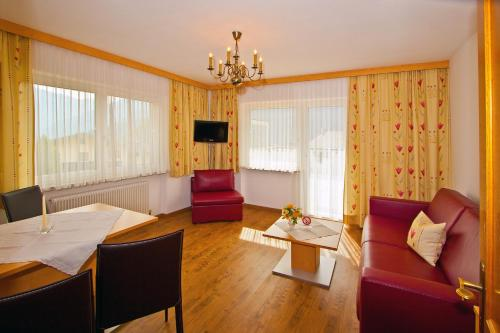 Vienas guļamistabas apartaments ar balkonu (One-Bedroom Apartment with Balcony)