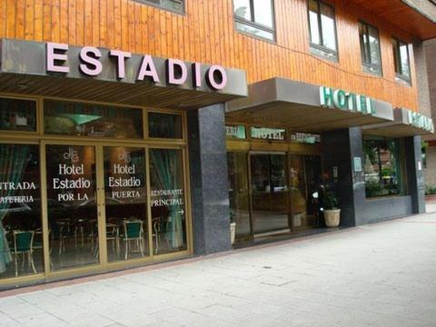 Hotel Estadio 18