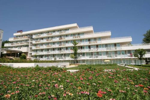 Hotel Com - All Inclusive front view