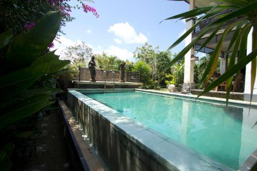 Отель Padang Padang Surf Villa 3 звезды Индонезия
