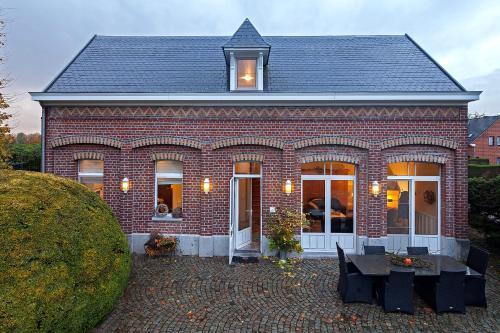 ' t Koetshuis front view