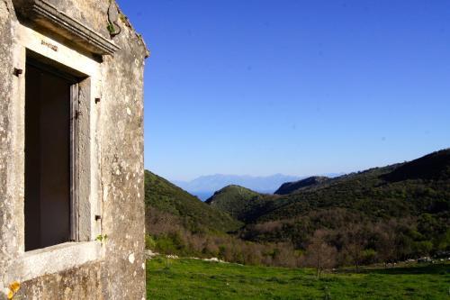 Paleá Períthia 490 81, Corfu, Greece.
