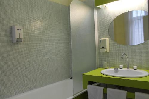Hotel Napol On H Tel 14 Place De La R Publique 50100