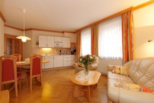 Komfort-Apartments Kusenberg - Apartment mit 1 Schlafzimmer und Terrasse - Martin-Luther-Straße
