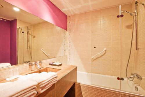 Habitación Doble con terraza - 1 o 2 camas Luces del Poniente 5