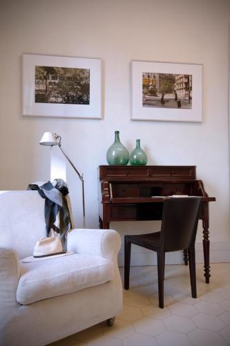 Two-Bedroom Suite with Balcony Ca La Maria Boutique B&B 4