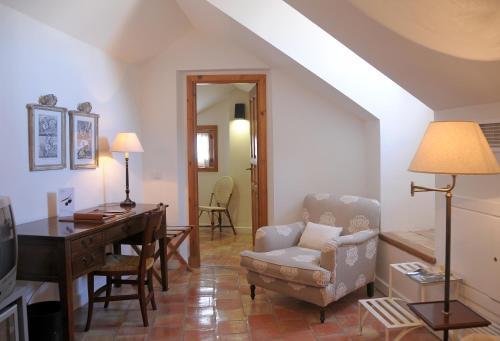 Double Room (2 Adults + 1 Child ) Hotel Puerta de la Luna 4
