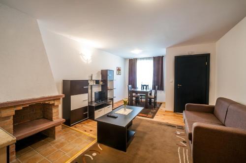 Self - Catering Apartments Hadzhiata