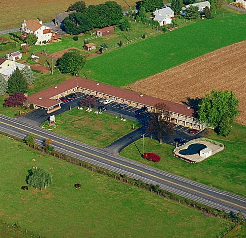 Kitchen Kettle Village Coupons: Amish Country Motel In Bird In Hand, PA