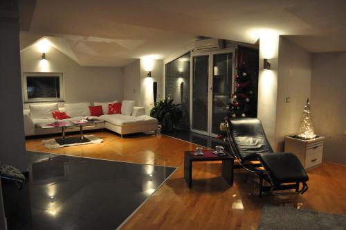Kosmos Apartments