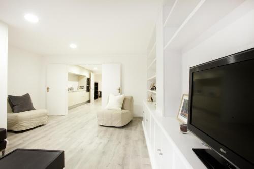 Rent4Days Barraquer Apartment