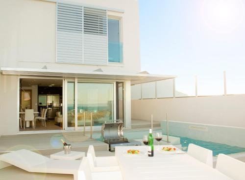 Residencial 37 Soles, hotel en Faro de Cullera