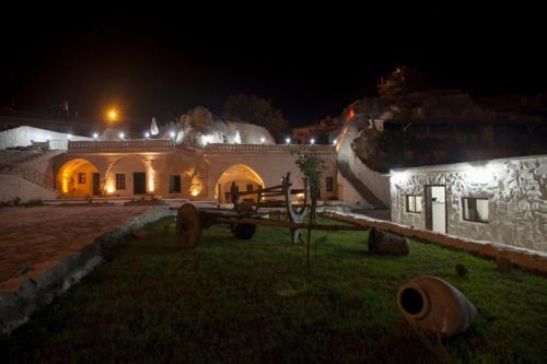 Sole Cave Hotel