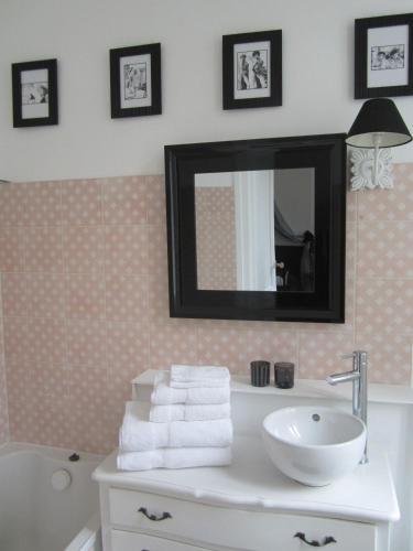 Villa des demoiselles chambre d 39 h tes 112 rue pierre - Horaire piscine rochefort ...
