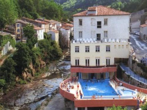 H tel hostellerie de rennes les bains h tel 1 rue des for Hotel des bains rue delambre