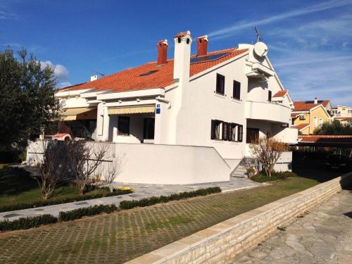 Apartments Zdrilic