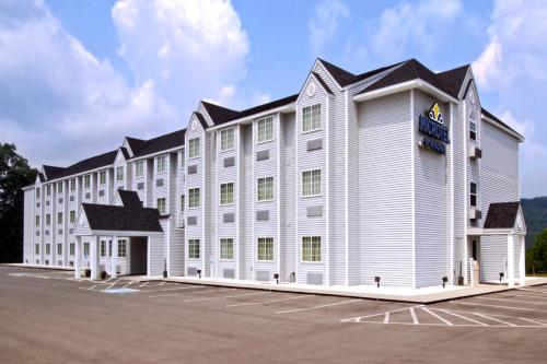 Microtel Inn And Suites Gassaway