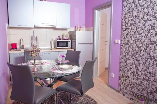 Apartments Marhela Jakov