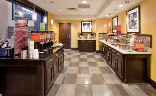 Hampton Inn & Suites Columbia South Md